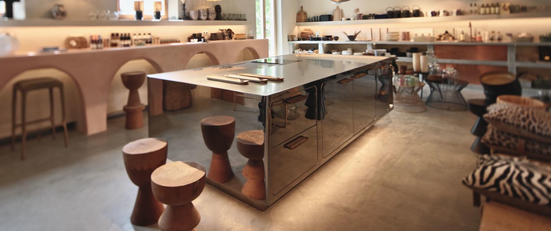 Küchen Abimis Kitchen und Stuhl Pols Potten